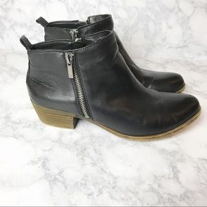 Lucky Brand Leather Zip Up Ankle Booties